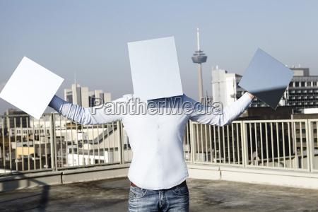 deutschland nordrhein westfalen koeln mann versteckt