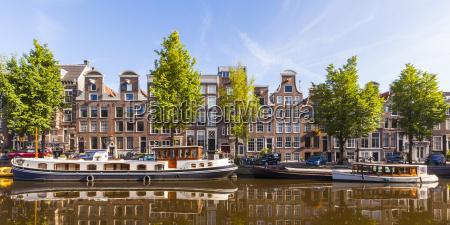 niederlande amsterdam blick auf die typischen