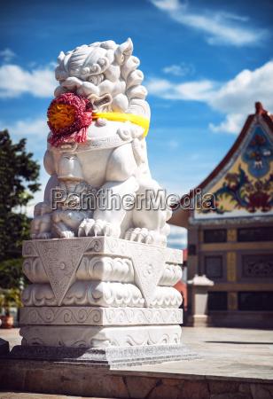tempel stein loewe katze raubkatze grosskatze