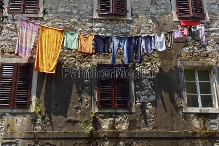 montenegro crna gora kotor laundry on