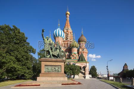 russland moskau basilius kathedrale mit denkmal