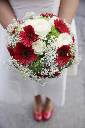 germany cologne bride with bridal bouquet
