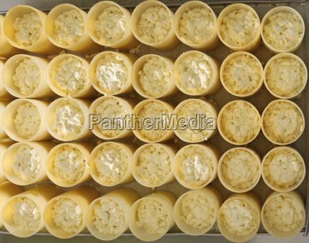 deutschland baden wuerttemberg kaeseherstellung in flaschen