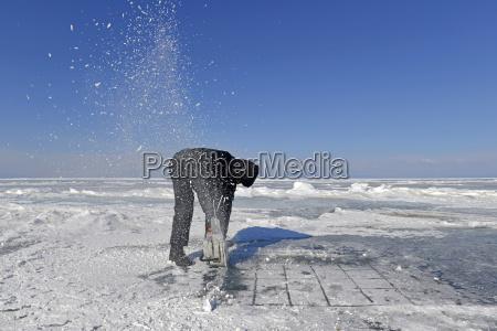 werkzeug winter kalt kaelte gefroren eingefroren