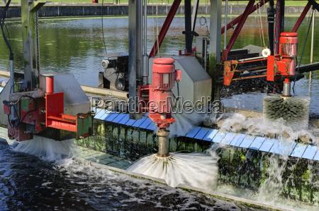 deutschland baden wuerttemberg reinigung des sedimentationsbehaelters