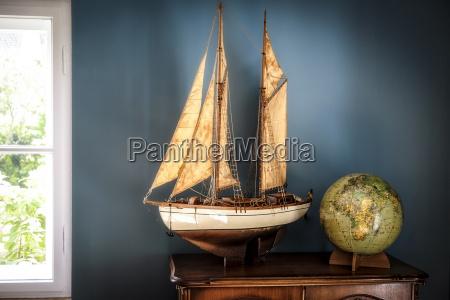 home interieur mit vintage schiff modell