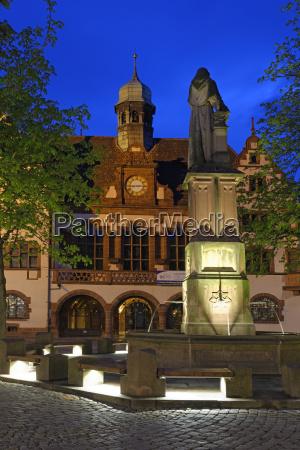 deutschland baden wuerttemberg freiburg rathaus mit