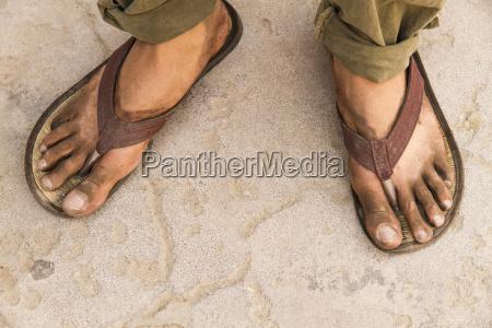 indien schmutziges futter eines backpackers