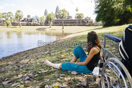 kambodscha siem reap angkor frau mit