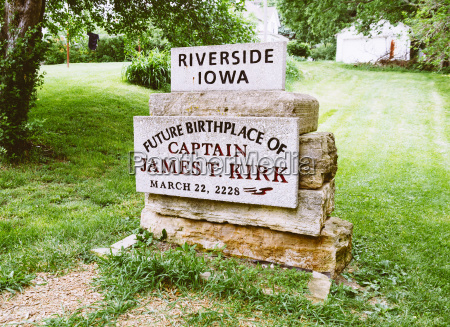 usa iowa riverside memorial stone of