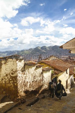 peru cusco kleinstadt ansicht mit touristen