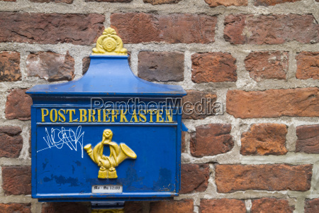 deutschland bremen historischer briefkasten an der