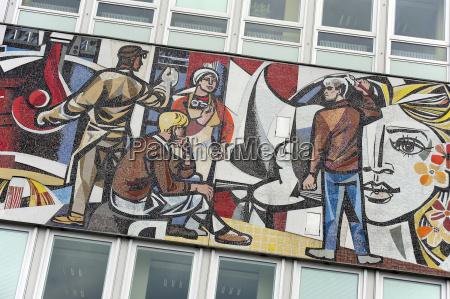 deutschland berlin mosaik am haus des