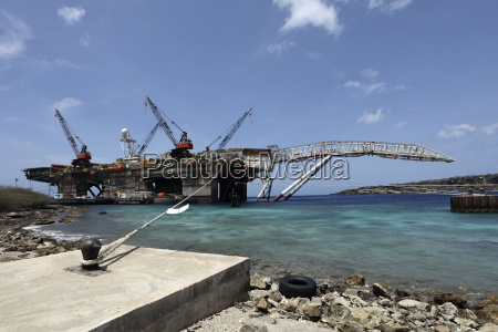 curacao willemstad OElplattform in reparatur