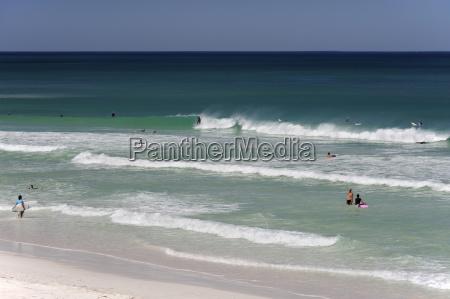 australien western australia lancelin leute surfen