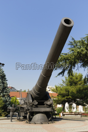 turkey istanbul cannon in front of