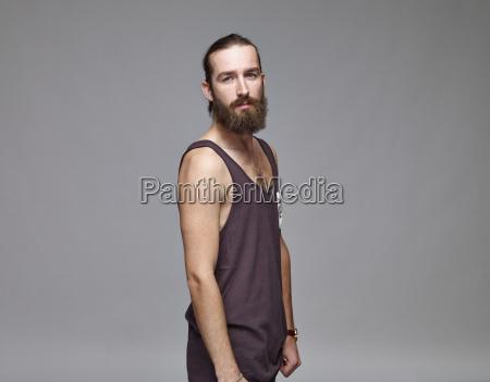 portraet des menschen mit vollem bart