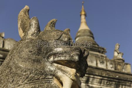 myanmar bagan view of chinthe at