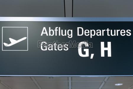 deutschland informationstafel am flughafen
