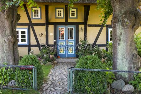 deutschland mecklenburg vorpommern wustrow idyllisches landhaus