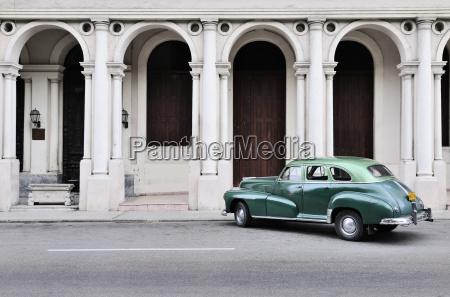 kuba havanna parkplatz american oldtimer