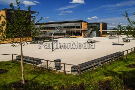 deutschland muenchen gruenwald gymnasium schulhof