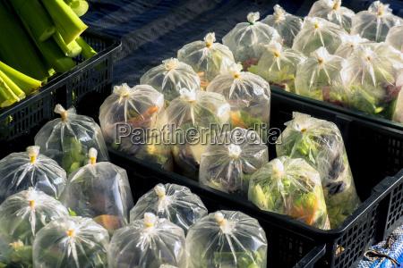 thailand khao lak plastiktueten mit mirepoix