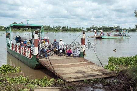 vietnam an giang long xuyen ferry