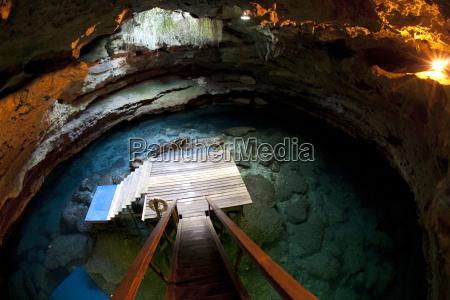 treppe treppen hoehle bruecke usa unterwasser