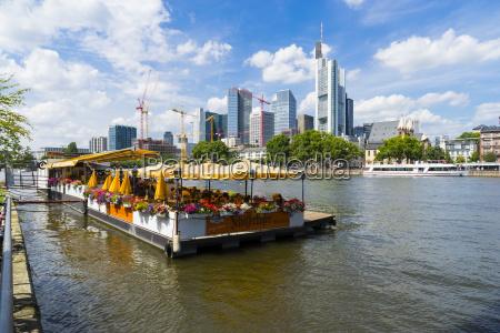 deutschland hessen frankfurt restaurantschiff main finanzdistrikt