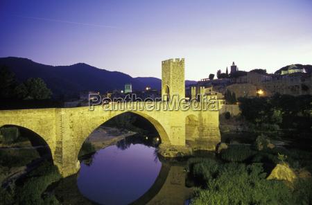 middle aged stonebridge from besalu over