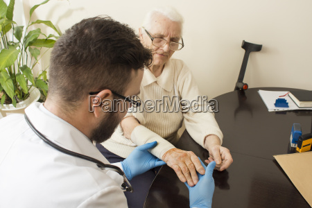 a private doctors office doctor examining