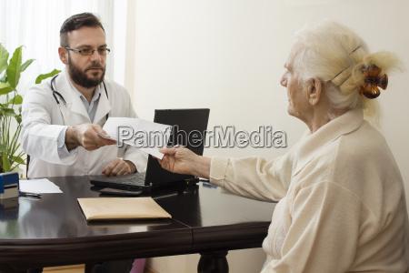 doctor physician medic medical practicioner office