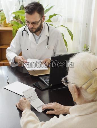 doctor physician medic medical practicioner write
