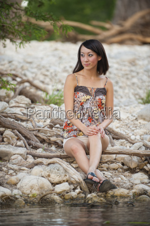 usa texas leakey young woman looking