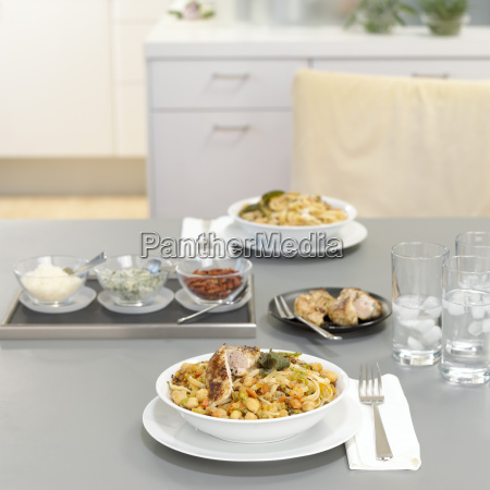 lunch for two pasta with chicken
