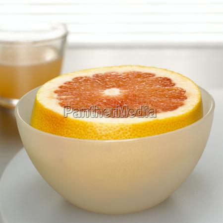 grapefruit in bowl close up