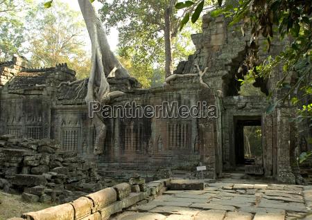 cambodia angkor preah khan temple ruins