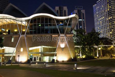 baum modern moderne nacht nachtzeit malaysia