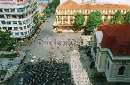 vietnam saigon crowd