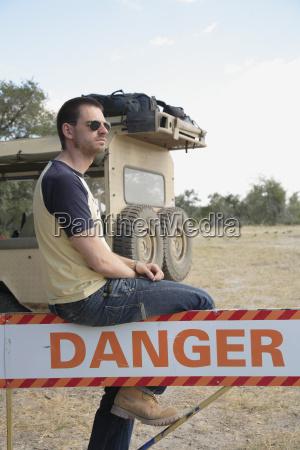 afrika botswana okavango delta mann der
