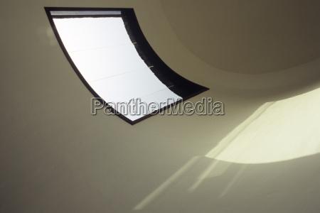 fenster luke glasfenster fensterscheibe mauer baustil