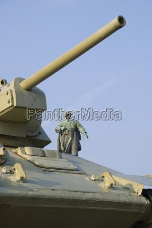 germany berlin soviet war memorial tank