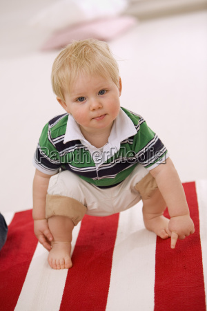 baby boy 1 2 squatting on