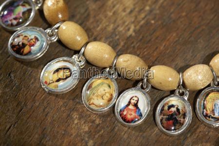 religion holz schmuck juwelierwaren pretiosen geschmeide