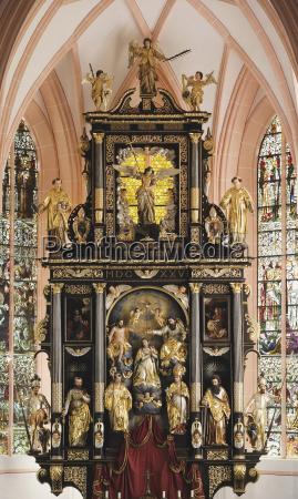 OEsterreich salzkammergut mondsee michaelskirche hochaltar