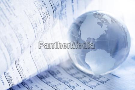 finanzzeitung, mit, kristallkugel - 21294778