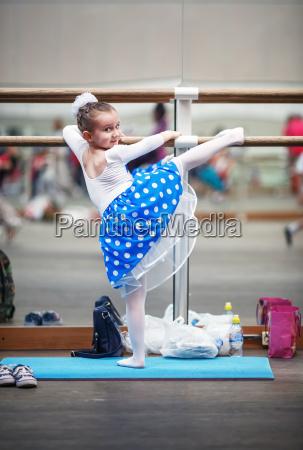 choreografie spiegeln taenzer widerspiegeln taenzerin ballett