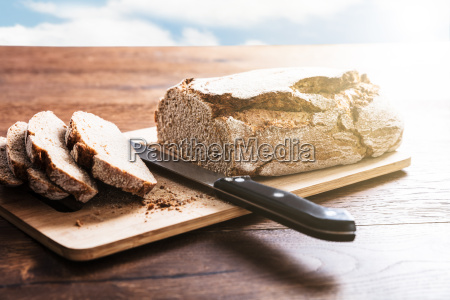 sliced bread on cutting board