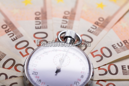 stopwatch on euro notes